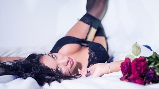 Pozycje seksualne, w których dominuje kobieta